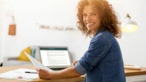 Maintaining Your Career While a Military Spouse